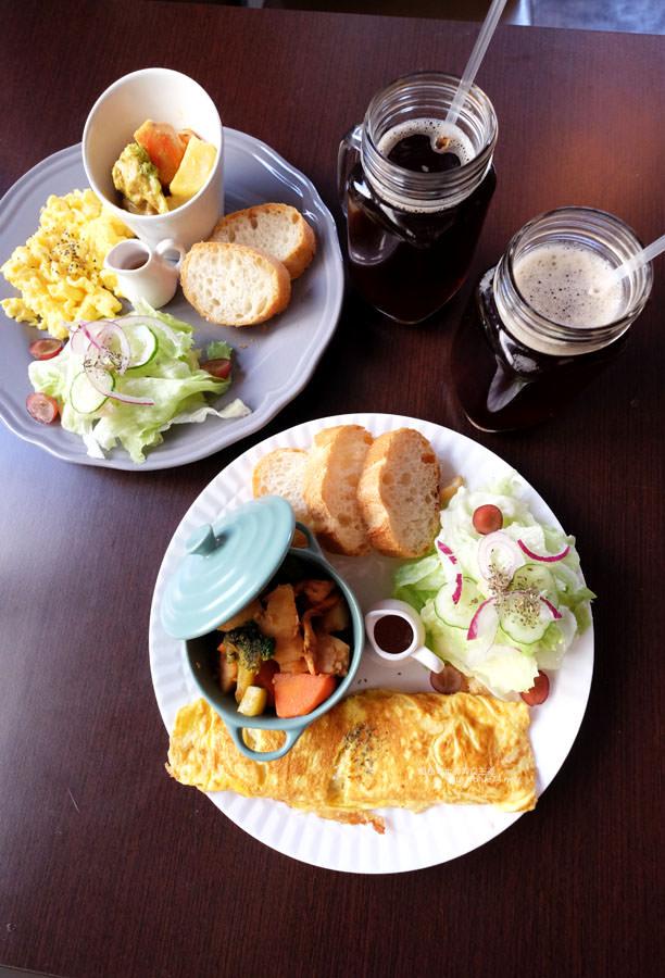 20170911015825 13 - Bearly Awake-工業風早午餐.好拍粉紅熊IG牆.東海藝術街早餐下午茶