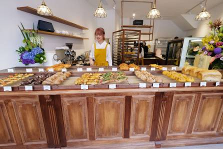 20190419140752 42 - Fun Nice芳奈烘焙坊-有好多漂亮鹿角蕨的南區巷弄咖啡麵包烘焙坊,後方還有一處明亮用餐區