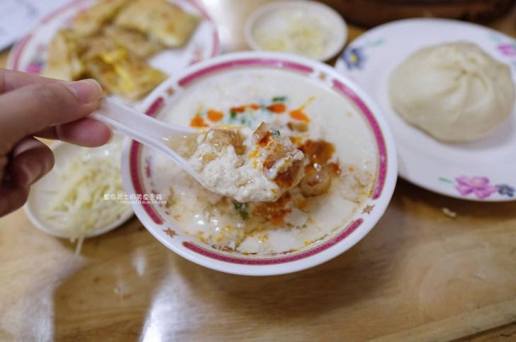 20191017073308 8 - 長江早點-台中人氣排隊中式早餐,肉包現做現蒸,燒餅油條蛋來一份,鹹豆漿份量足