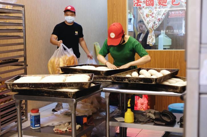 20191110133221 23 - 台中越南法國麵包工藝│推招牌綜合夾心麵包,口味多樣,每天出爐、批發零售