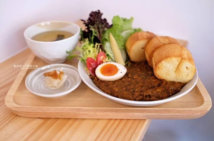 20191227193539 87 - 高圓日式食堂│日式簡約隱藏巷弄咖哩美食,下午還有甜點跟咖啡可以點,老闆是型男