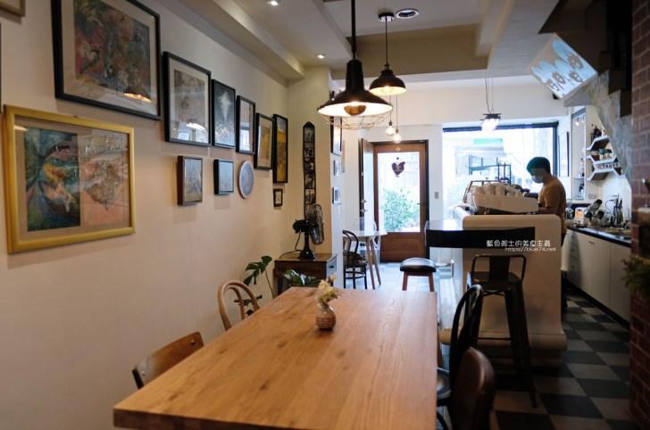 20200812004108 63 - ART BAR|南區咖啡館推薦,可以喝咖啡邊欣賞老闆畫作
