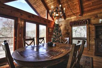 Decorated for Christmas at Livin' Lodge in Sky Harbor TN