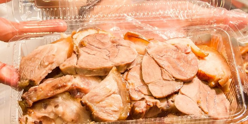 【台南 永康區】金祥豬腳坊。帶有濃濃中藥風味的香Q滷豬腳|吃出膠質與嘴饞|尚青黃昏市場內的隱藏美食