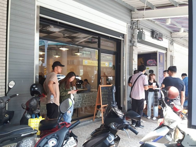 【台南 北區】才川 和洋料理。排隊美食|外酥肉嫩唐揚雞|卡滋卡滋藍帶豬排內牽絲