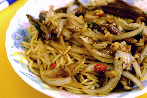 台南的必吃美食-東門路上乾脆帶勁的「志明炒鱔魚」!