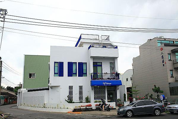 台南安南區「藍白house義式手工冰淇淋」