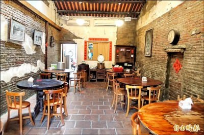 愛收藏古文物 周榮棠開古厝餐廳 LV前掌門人住麥克阿舍民宿 體驗在地味