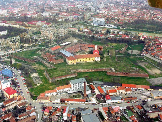 800px-Cetatea_Oradea