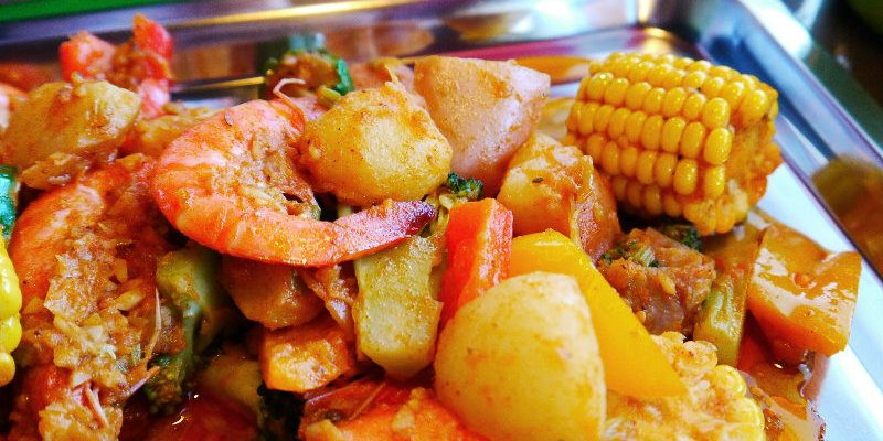 <台中美式> 神奇艾米美式麻辣海鮮,獨特的用餐方式,穿著圍兜跟手套直接豪邁的吃吧!(台中美式餐廳/台中麻辣海鮮)