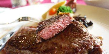 <台中˙食> 「愛慕斯IMOUSI」牛排,餐點融入創意的排餐料理,最後的黑櫻桃巧克力蛋糕更令人讚賞!