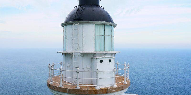 <馬祖旅遊> 海上看東引從另一個角度遊覽東引島,踏上國之北疆遠眺北固礁,還能看見東引島燈塔重新點燈。(東引景點/馬祖景點/海上看東引/東湧陳高/國之北疆/東引島燈塔)