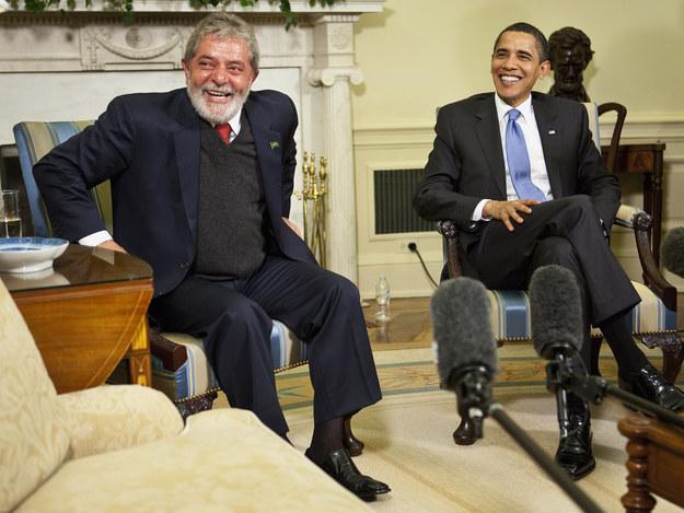 """""""Tavam um americano, um brasileiro, um português e um papagaio numa conferência da ONU..."""""""
