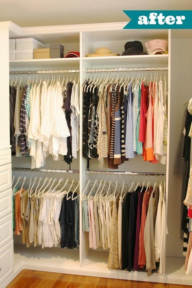 Ganchos de ropa forrados antideslizantes para sostener todas tus camisetas sin mangas en línea.