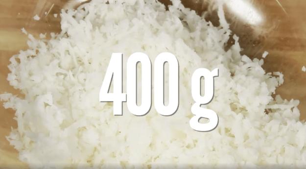 Se hacen con solo DOS ingredientes, incorporando al coco como enorme anfitrión...