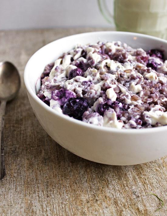 Oatmeal with Blueberry Cheesecake Swirl