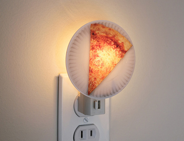 Or this night light that'll help you fall asleep dreaming of pizza.