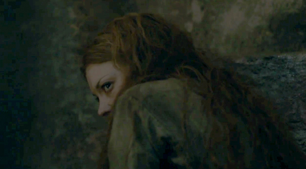 Here's a brief glimpse of still-incarcerated Margaery. On the plus side, she still has all her hair.