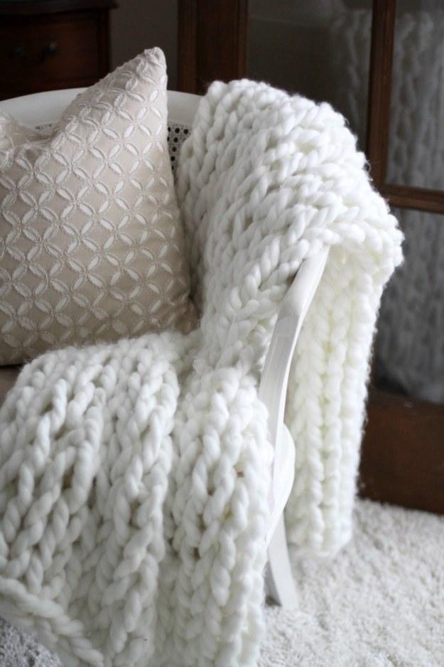 Arm-knit an oversized cozy throw.