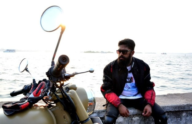 This is 22-year-old Rohith Subramanian from Chennai, who is currently biking across India.