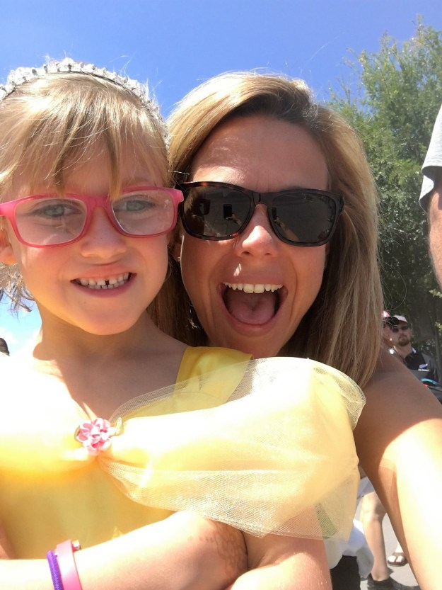 """Frost has made her daughter a """"sightseeing bucket list"""" and is aiming to check off every item while Cailee still has her vision."""