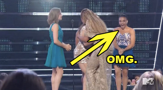 But during all of the commotion, the absolute cutest thing happened: Laurie Hernandez's face lit up because she was so happy to be in the presence of Beyoncé.