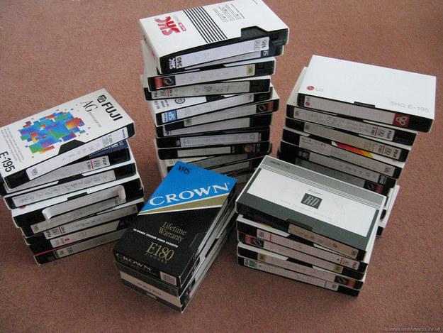 Keine freie VHS-Kassette griffbereit zu haben, kurz bevor die Show im TV startete, die Du gerade aufnehmen wolltest.