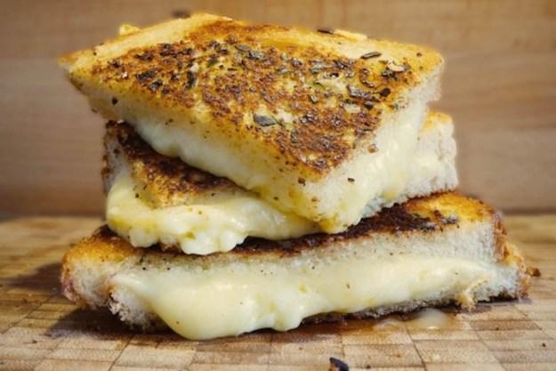 Garlic bread toastie