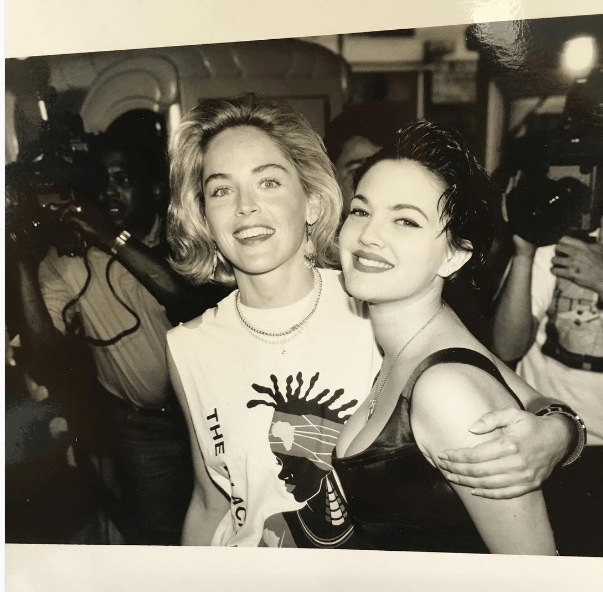 Drew Barrymore took us back to the early '90s with this photo of her hanging out with Sharon Stone.