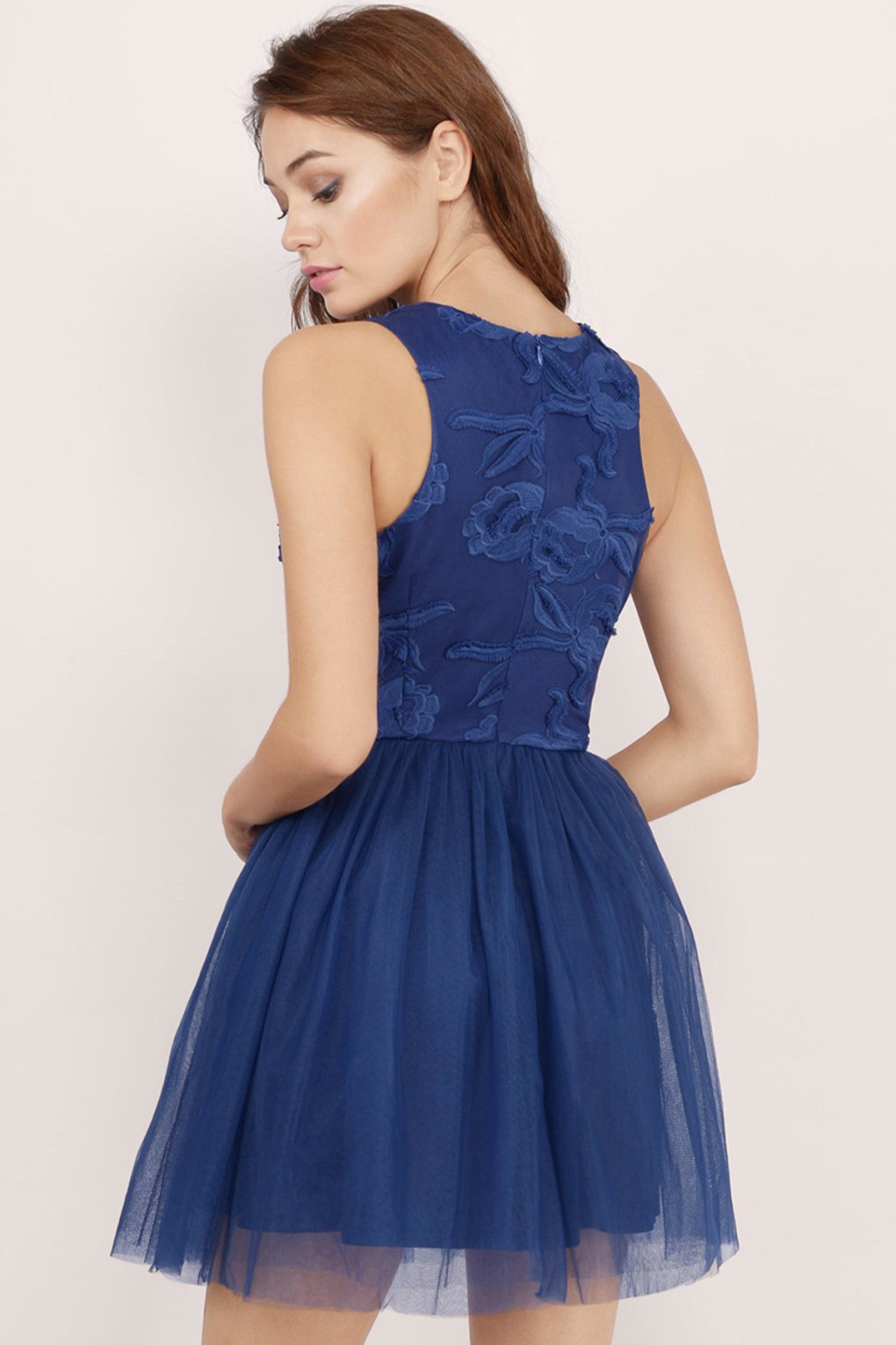 26 Beautiful Dresses Under $30 To Wear To Any Fall Wedding