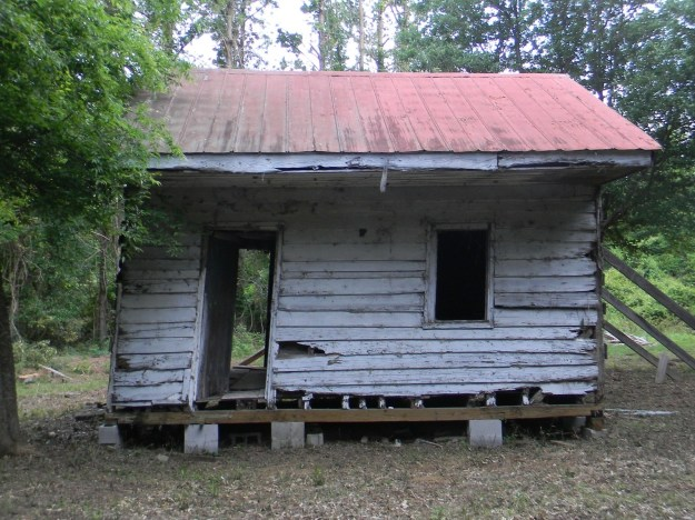 A slave cabin relocated from the Point of Pines Plantation in Charleston County, South Carolina.