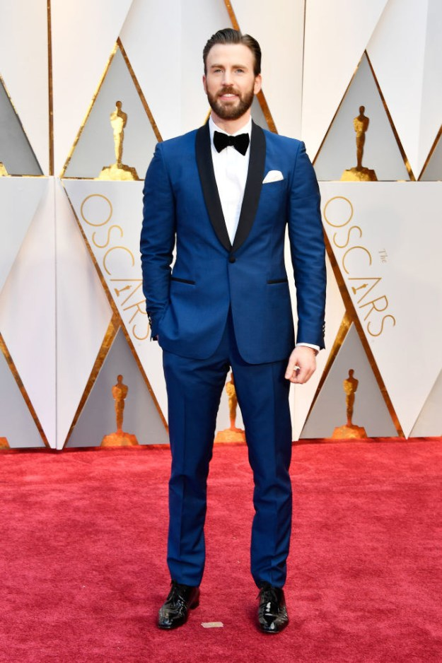 This is Chris Evans rocking a suit at the Oscars.