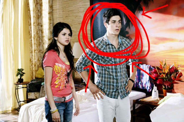 If you remember the show, you will also remember David Henrie, who played Selena Gomez's brother*, Justin.