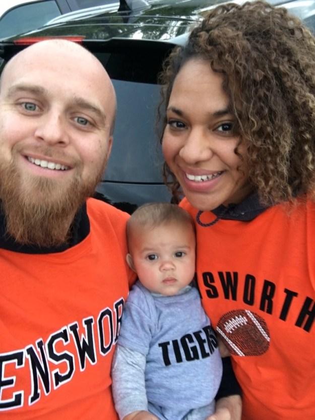 ライアン&ラニース夫婦には、16カ月になる娘のマヤがいる。最近、一家は、スローライフを求めて大都会・ニューヨークからアラバマに引っ越してきたばかり。
