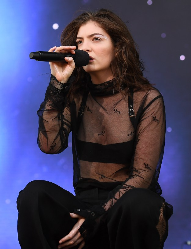 This is Lorde — pop music goddess, onion ring connoisseur, and all-around great person.