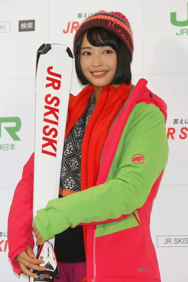 2014年冬はJR東日本の「JR SKI SKI」のキャンペーンガールも務めました。この年のコピーは「答えは雪に聞け。」