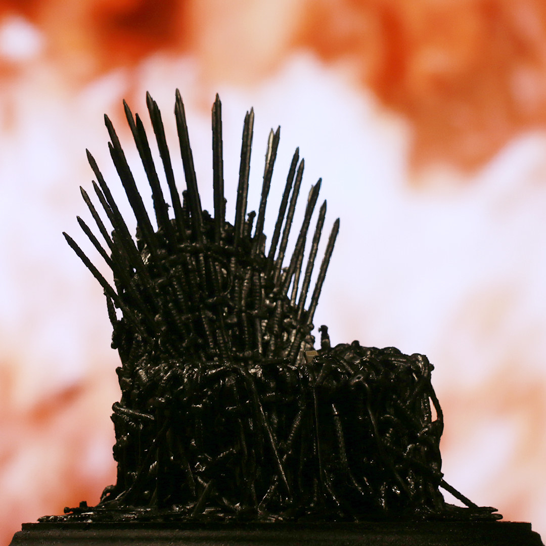 10 awesome game of thrones diys you can actually make for Iron throne bean bag
