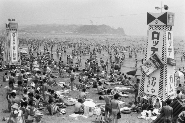 1967年、藤沢・片瀬海岸。