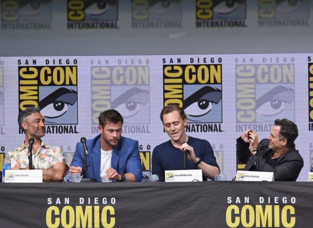 Here's the funny thing: Mark Ruffalo is very famous. (Don't act like you can't recite 13 Going on 30 by heart.) But he's still super-proud to be surrounded by his fellow celebrities and friends, which is why he started snapping photos of them mid-panel.