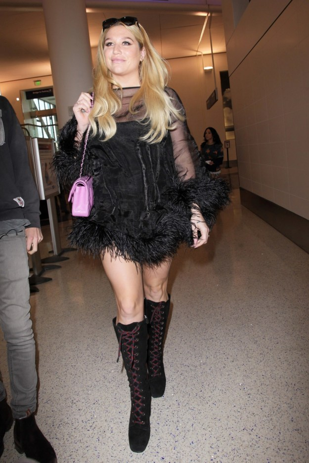 It was a reminder of all the stylish looks Kesha has been serving us at the airport...