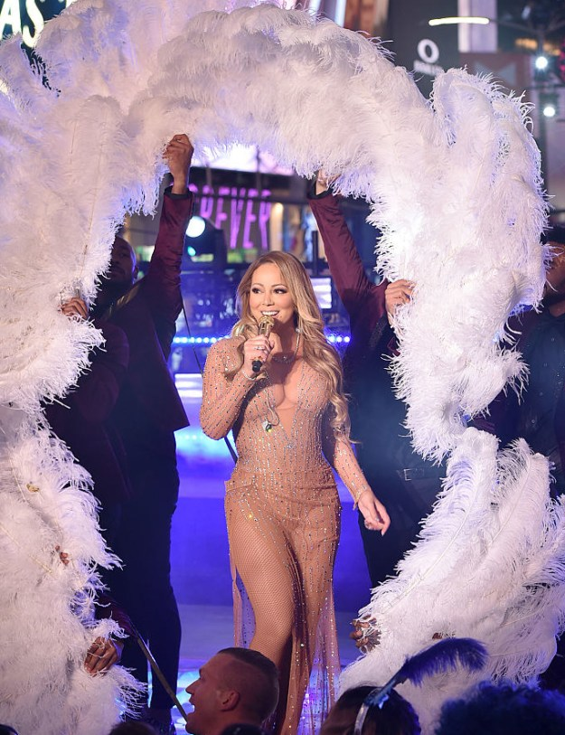 So, ever since her iffy New Years Eve performance, Mariah has been getting some hate.