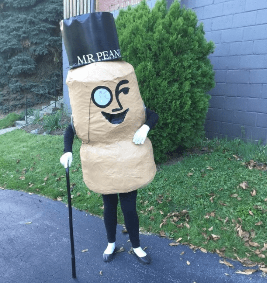 """""""This was a costume my friend made to show how extra she really is."""" —evan4"""