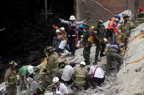 Rescuers Are Digging To Find Children Trapped In A ...