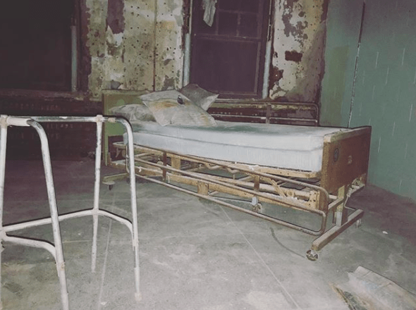 It didn't take long for Pennhurst to encounter some serious issues.
