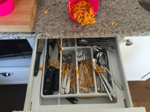 The dad who had to clean up his daughter's mac and cheese disaster.