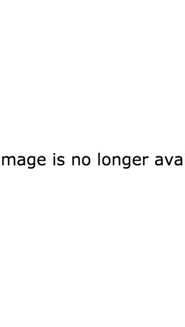 And two of the biggest stars featured (smack in the center of the front cover, naturally) are renowned gardener Oprah Winfrey and Ava Phillippe-lookalike Reese Witherspoon. So glamorous, right?