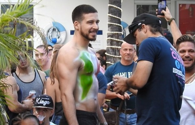 And that's when I came to the conclusion that Vinny was always my favorite person on the Jersey Shore. He's the most level-headed, the sweetest, and also the cutest! Now he's also the hottest.