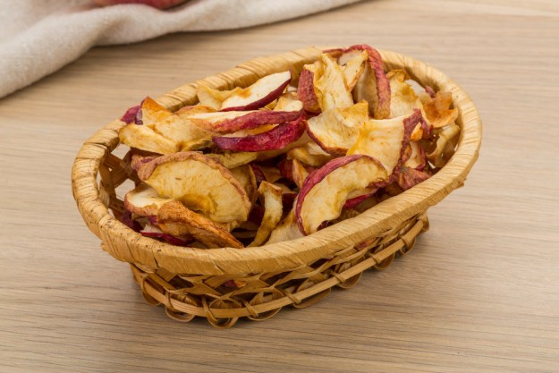 Cinnamon-Dusted Apple Chips