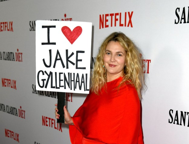 """So Drew did what anyone in her position would've done, and took a giant """"I ❤️ JAKE GYLLENHAAL"""" sign to the premiere of her show."""