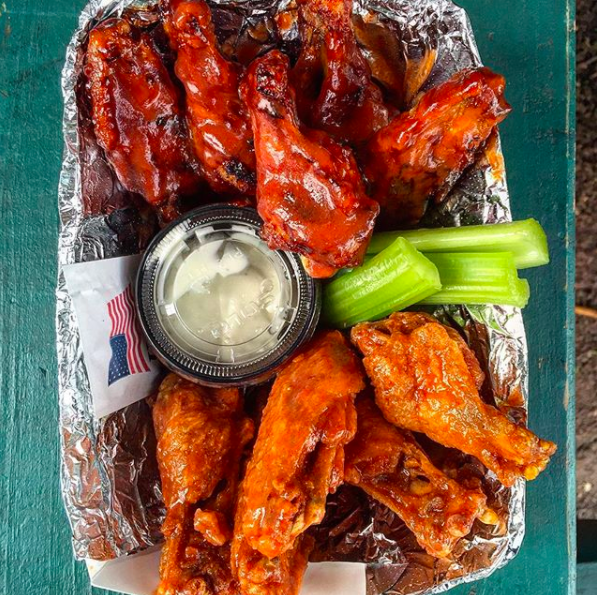 New York: Dan and John's Wings in Manhattan